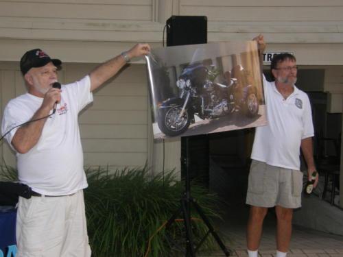 2012 FWB, FL Reunion - Gus Sininger and Doug Wohlgamuth at Raffle