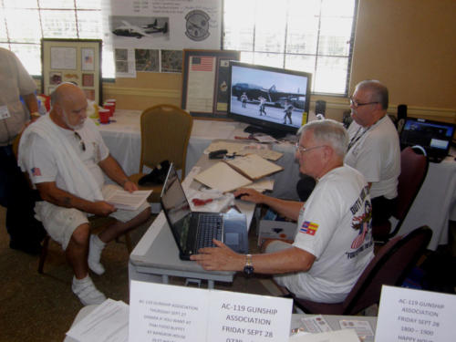 2012 FWB, FL Reunion - Gus Singing, Fred Rider, and Ev Sprous Work the Tables